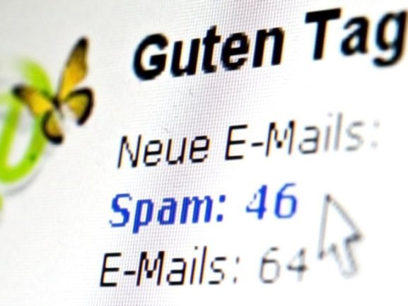 Kriminelle verschicken E-Mails um Schadsoftware auf dem Rechner zu installieren. Dabei sprechen sie den Empfänger sogar mit dem richtigen Namen an.