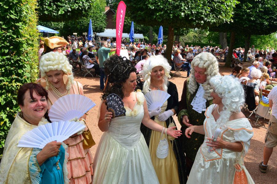 Mehr als 1000 Besucher genießen barockes Spektakel in Lichtenwalde