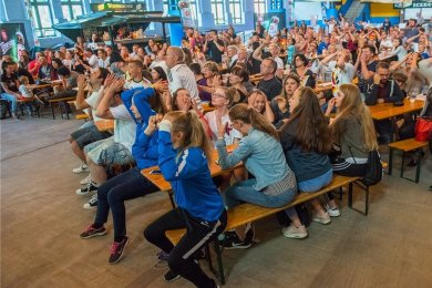 Letztmalig gab es im Icehouse Aue beim WM-Vorrundenspiel Deutschland gegen Südkorea ein gemeinsames Fußball-Schauen. Die 0:2 Niederlage bedeutete 2018 das vorzeitigen WM-Aus für Jogis Elf.