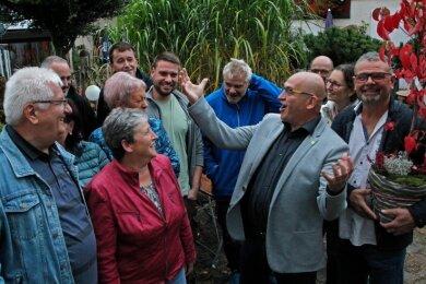 Die Freude bei den Grundstückseigentümern ist groß: Am Freitag feierten sie gemeinsam im Posthaus Neudörfel ihre neue Kläranlage.