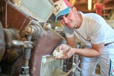 Sebastian Gläser ist 37 Jahre alt und gehört zur sechsten Müllergeneration der Familie Gläser, die die Franzmühle in Elsterberg betreibt.