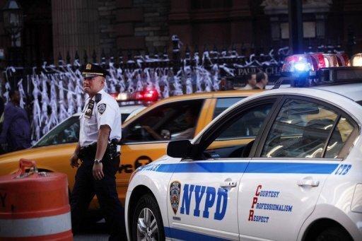 Zehn Jahre nach den Anschlägen vom 11. September 2001 werden die USA nach den Worten ihres Präsidenten Barack Obama den Kampf gegen den Terror entschlossen fortsetzen. Trotz neuer Terrorwarnungen laufen die 9/11Gedenkfeiern wie geplant weiter.