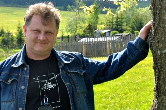 Peter Frank hängt an seinem Wohn- und Heimatort.