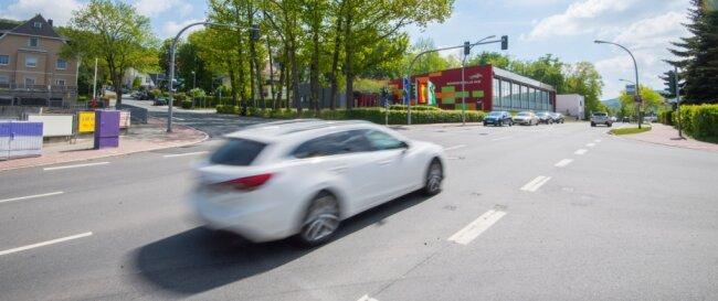 Soll umgebaut werden: Die Kreuzung von Dr.-Otto-Nuschke-Straße, Robert-Koch-Straße und Gartenstraße in Aue.