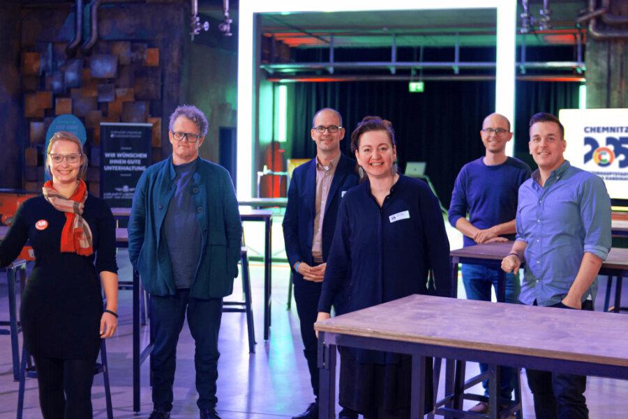 Unternehmer trafen sich am Montag unter anderem mit CWE-Chef Sören Uhle (3. von links) im Kraftverkehr.