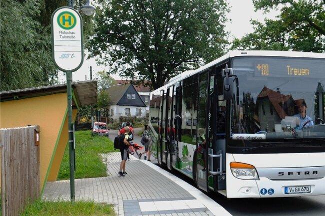 Rotschau, das heute zur Plusbus-Linie 80 gehört, wird künftig in die umgestaltete Stadtbus-Linie 82 (Rotschau - Neumark) integriert.
