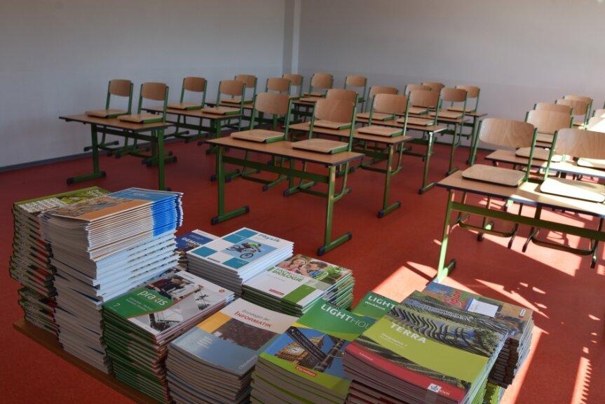 Alles bereit für den ersten Schultag: Blick in eines der neuen Klassenzimmer.