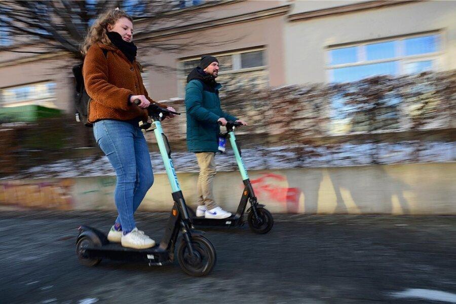 Elektroroller zum Leihen sind in Chemnitz immer mehr unterwegs. #l