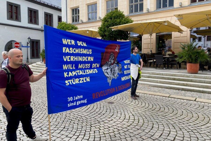 Rathauskletterer vor Gericht - FDJ demonstriert in Zwickau