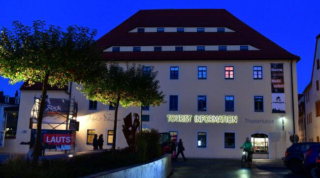 Das Silbermannhaus am Schlossplatz.