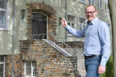 Martin Ferkinghoff möchte das Hauptgebäude der Saxonia Bildung in Halsbrücke verkaufen. Preis laut Gutachten: 660.000 Euro.