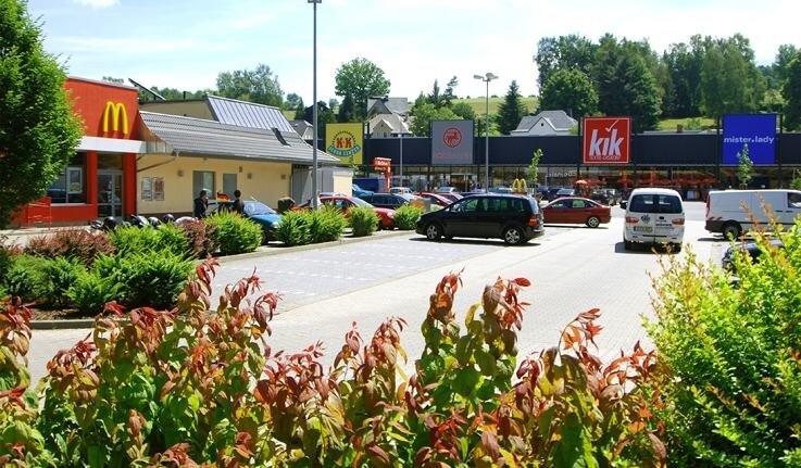 """<p class=""""artikelinhalt"""">Der Stadtrat Auerbach hat Dienstagabend eine Veränderungssperre für das Gewerbegebiet Mühlgrün erlassen. So will man verhindern, dass das Einkaufszentrum weiter wächst.</p>"""