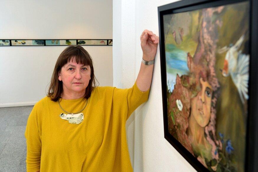 """Birgit Reichert zeigt ihre aktuellen Arbeiten, hier das Bild """"Die Zeit wird es richten"""", derzeit im Gellert-Museum Hainichen. Das Haus hat seit Sonntag wieder geöffnet. Nun droht die nächste Zwangspause."""