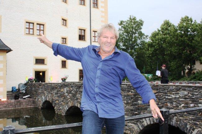 Viele Jahre lang moderierte Bernhard Brink die Schlager des Sommers. Vor vier Jahren löste ihn Florian Silbereisen ab.