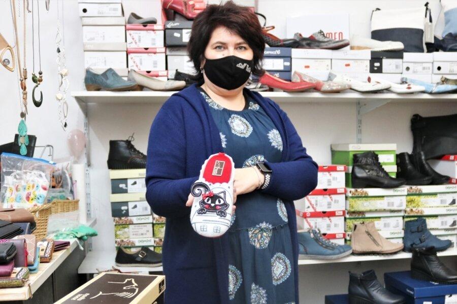 Die Inhaberin des Schuhgeschäftes an der Großen Kirchgasse in Oederan, Silke Richter, hatte die CDU-Landtagsabgeordnete Susann Leithoff zu einem Gespräch mit ortsansässigen Händlern eingeladen. Diese machten auch auf ihre wirtschaftlich schwierige Situation aufmerksam.
