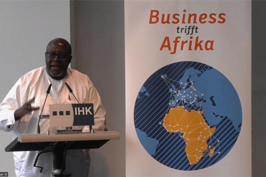 Thomas Amolo, Botschafter Kenias, warb beim Gipfel für ein stärkeres Engagement Deutschlands in Afrika. Zudem betonte er, dass andere Staaten, etwa China, bereits deutlich aktiver seien.