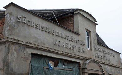 Das sind verbliebene Teile der Sächsischen Drahtbürsten-Fabrik an der Goldbachstraße in Hohenstein-Ernstthal.