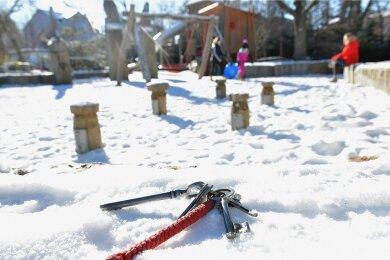 Im Freiberger Fundbüro landen oft Schlüsselbunde. Dieses gestellte Foto entstand im Albertpark.