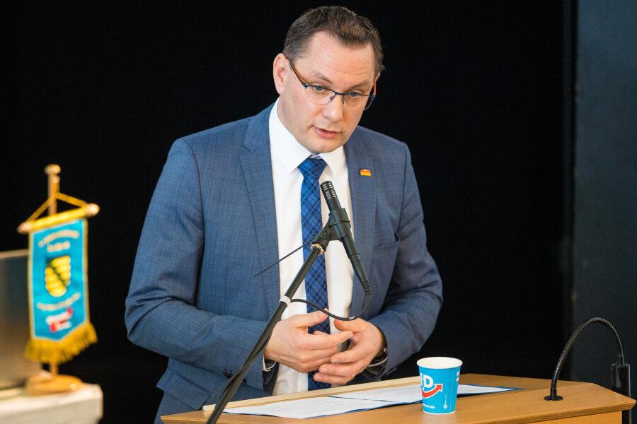 Tino Chrupalla, Bundesvorsitzender der Alternative für Deutschland (AfD), auf dem Parteitag des Landesverbandes Sachsen.