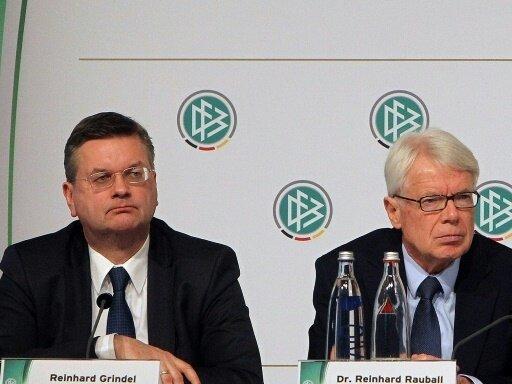 Reinhard Grindel (l.) und Reinhard Rauball laden ein