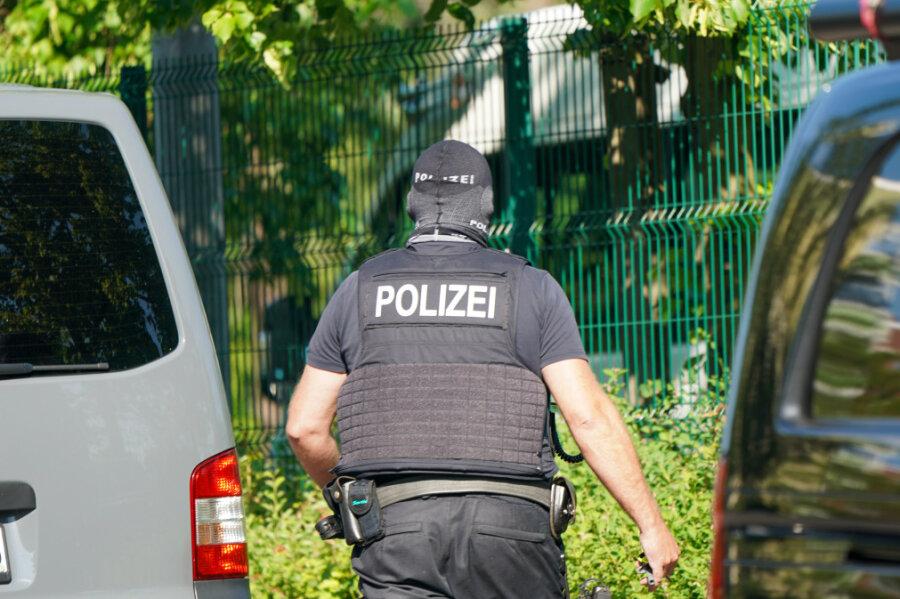 Großeinsatz in Zwickau: Mehrere Kilo Drogen beschlagnahmt - vier Tatverdächtige festgenommen