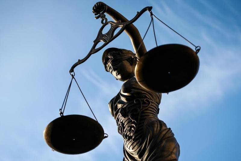 Prozess um Kindesmisshandlung: Ex-Erzieherin muss zahlen