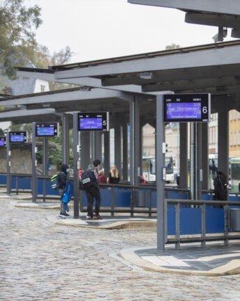 Beim öffentlichen Personennahverkehr sehen viele Familien im Erzgebirge noch Reserven - in Annaberg genauso wie in den anderen drei Altkreisstädten Aue-Bad Schlema, Marienberg und Stollberg.