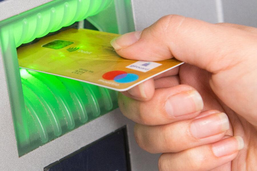Negativzinsen auf Girokonten: Das müssen Bankkunden jetzt wissen