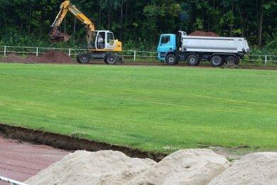Beim Umbau des Jahn-Stadions (Foto) wurde 2016 ein Hybridrasen verlegt. Der Platz ist derzeit nicht nutzbar.
