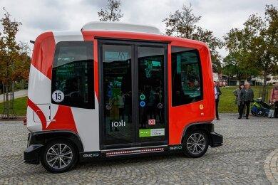 Ein Modell auch für Plauen? Im niederbayerischen Bad Birnbach verkehrt seit 2017 ein autonom fahrender Elektrobus mit Platz für sechs Personen durch den Ort. Aus Städte wie Kronach und Karlsruhe setzen inzwischen auf derartige Angebote.