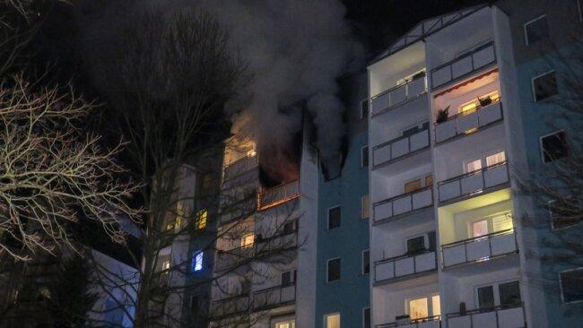 Bei einem Wohnungsbrand in Schneeberg musste ein Wohnblock teilweise evakuiert werden.