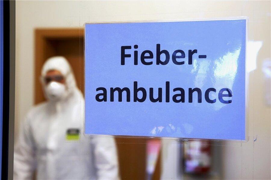 """Eine spezielle """"Fieberambulanz"""" in einer Klinik. Ärzte sehen die Idee, solche Praxen flächendeckend einzurichten, skeptisch."""
