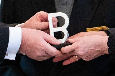 """Die Statue """"B"""" des Internationalen Ausschwitz Komitees."""
