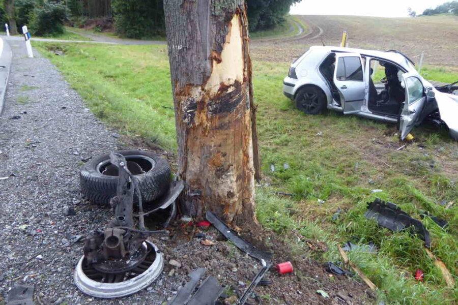 21-Jähriger stirbt bei Unfall auf der B 169 im Vogtlandkreis
