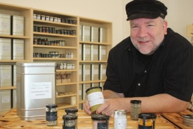 Frank Müller wechselte seinen Job. Der einstige Marketingprofi handelt nun mit regionalen Produkten und hochwertigen Gewürzen.