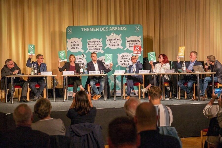 Sechs Bundestagskandidaten, die das Erzgebirge in Berlin vertreten wollen, standen am Montag Rede und Antwort.