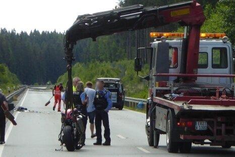 Der tragische Unfall endete für einen Motorradfahrer tödlich.