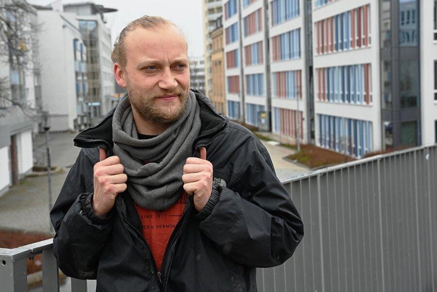 Paul-Christian List, Sozialarbeiter der mobilen Jugendarbeit des AJZ. Der Verein betreut unter anderem Jugendliche, die sich im Stadtzentrum und auf dem Sonnenberg treffen.