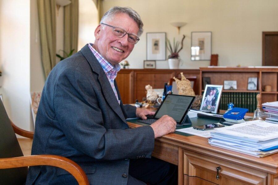 Der Peniger Bürgermeister Thomas Eulenberger in seinem Büro im Rathaus. Am 1. November geht er in den Ruhestand.
