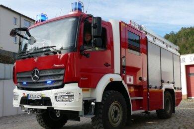 Vor dem Scharfensteiner Depot ist das neue Katastrophenschutz-Fahrzeug vorgefahren.