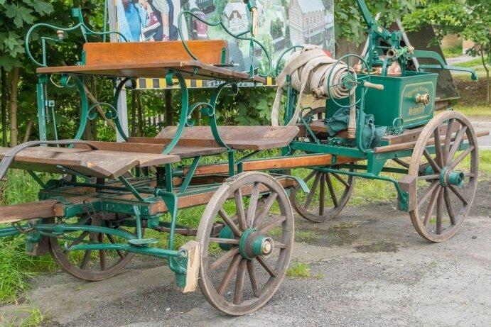 Diese Kutsche geriet am Sonntag in Schönfeld bei Annaberg-Buchholz außer Kontrolle und kippte um. Ein Mensch starb.