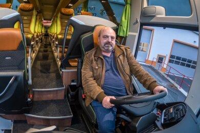 Leere Reisebusse: Auch Peter Meyer, Inhaber von Katzenstein-Reisen, musste viele Touren absagen.