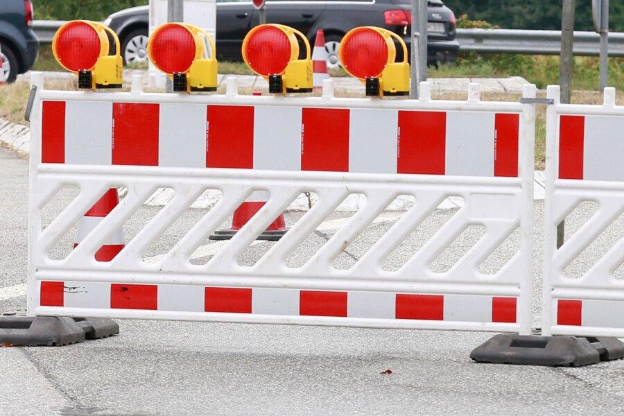 """Reparaturarbeiten an der Übergangskonstruktion der """"Lützelbachbrücke"""" über der A4 führen seit Montag zu Verkehrsbehinderungen."""