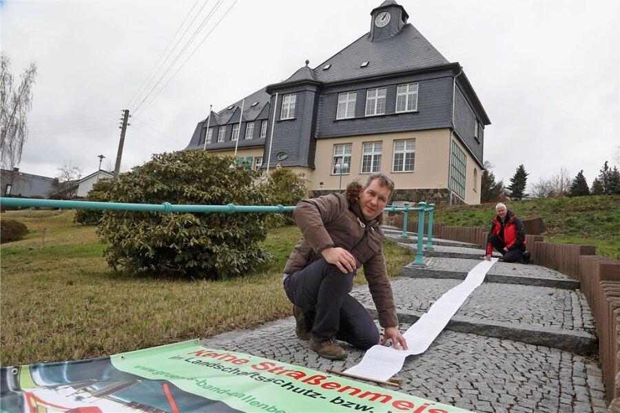"""Die Petition der Bürgerinitiative """"Grünes Band Callenberg"""" war als einzige im Landratsamt erfolgreich."""