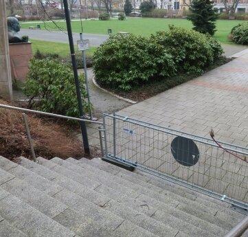 In der Nähe der gesperrten Treppe zwischen Carolateich und Kulturhaus soll sich die Tat ereignet haben.