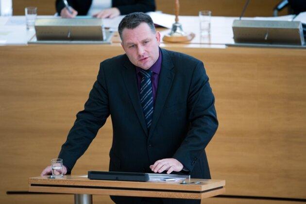 Machtkampf in der CDU-Fraktion: Hartmann tritt gegen Mackenroth an