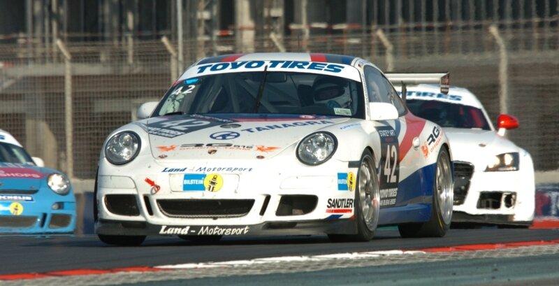 """<p class=""""artikelinhalt"""">Auch in diesem Jahr beim 24-Stunden-Rennen in Dubai dabei: Der Porsche 997 GT3 Cup von Land-Motorsport. Das Fahrzeug ist mit einer von M&M entwickelten und im Erzgebirge gefertigten Auspuffanlage aus Titan ausgerüstet. </p>"""