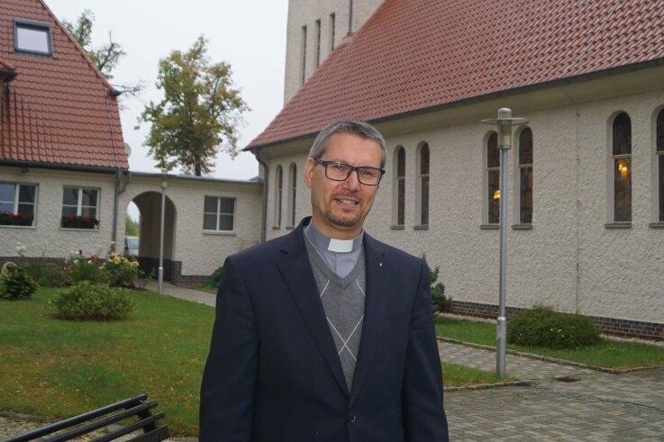 """Der Zwickauer Dekan Markus Böhme steht der neuen Großpfarrei """"Heilige Familie"""" vor."""