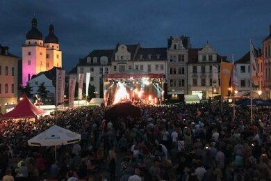 Tausende Besucher versammelten sich auf dem Plauener Altmarkt.