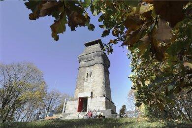 Der Plauener Kemmlerturm kann ab Samstag wieder bestiegen werden. Das Foto zeigt das Bauwerk vor seiner Sanierung.